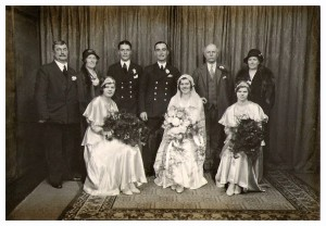 Crumpler Family Ellis Barbara mumanddadmarriage12 Nov 1932v2